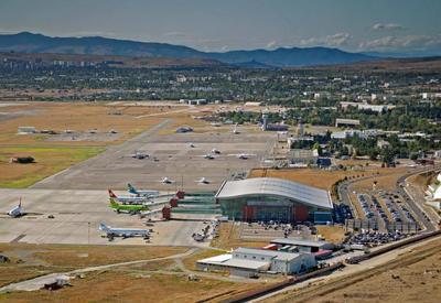 Тбилисский международный аэропорт частично возобновил работу