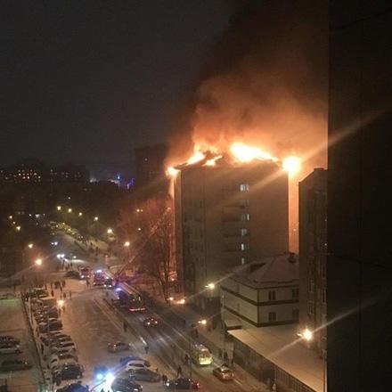 Пофакту поджога втюменской девятиэтажке следователи возбудили уголовное дело