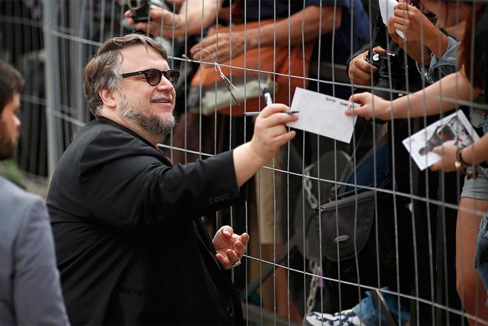 Гильермо дель Торо удостоен премии «Золотой глобус» как лучший кинорежиссер