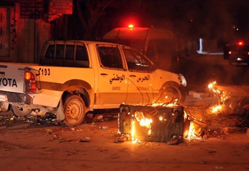 В Тунисе прокатилась волна протестов