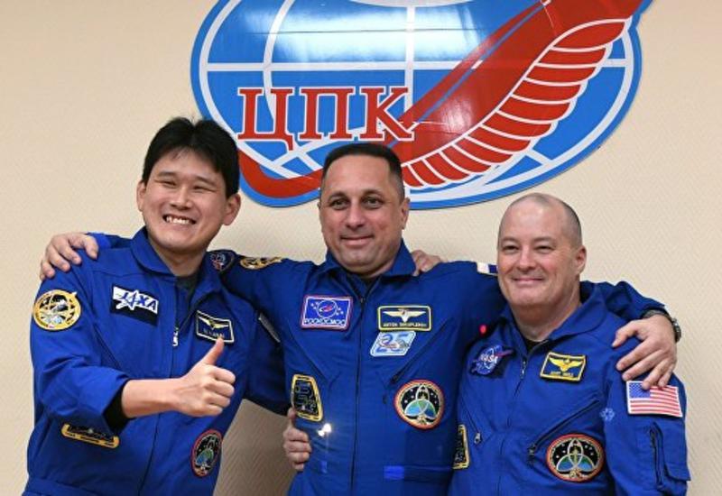 Японский космонавт извинился за фейк о том, что вырос на 9 сантиметров
