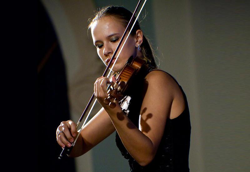 В Центре мугама выступит российская скрипачка Элина Друх