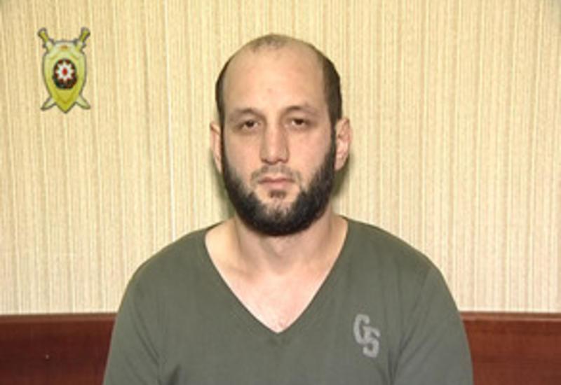 В Баку задержан вооруженный мужчина