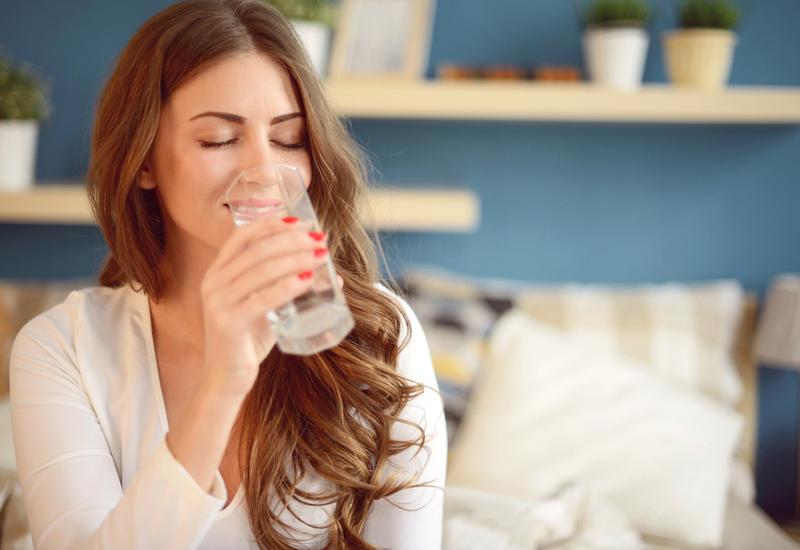 Что происходит с телом, когда вы пьете и не пьете воду?
