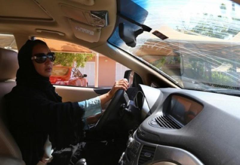 В Саудовской Аравии прошла выставка машин только для женщин