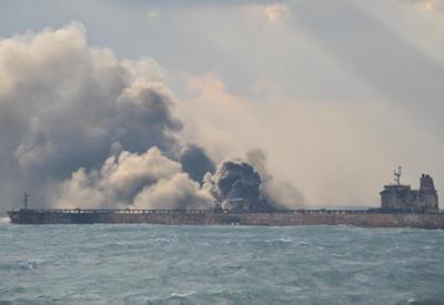 Все члены экипажа горевшего иранского танкера погибли