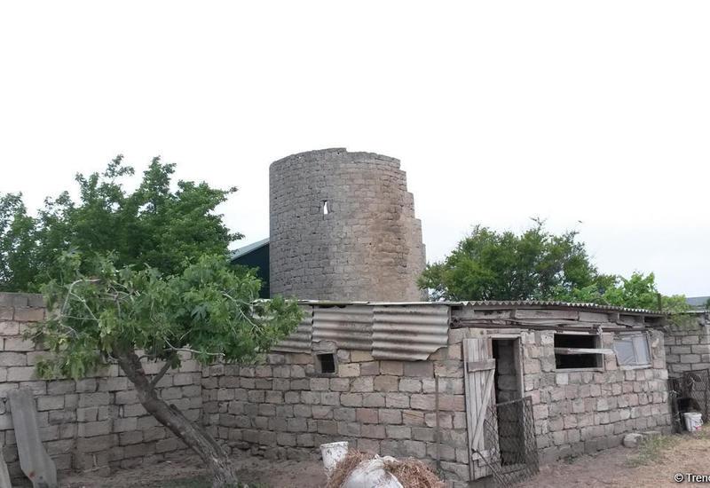 В бакинском поселке снесут стену, примыкающую к древней крепости