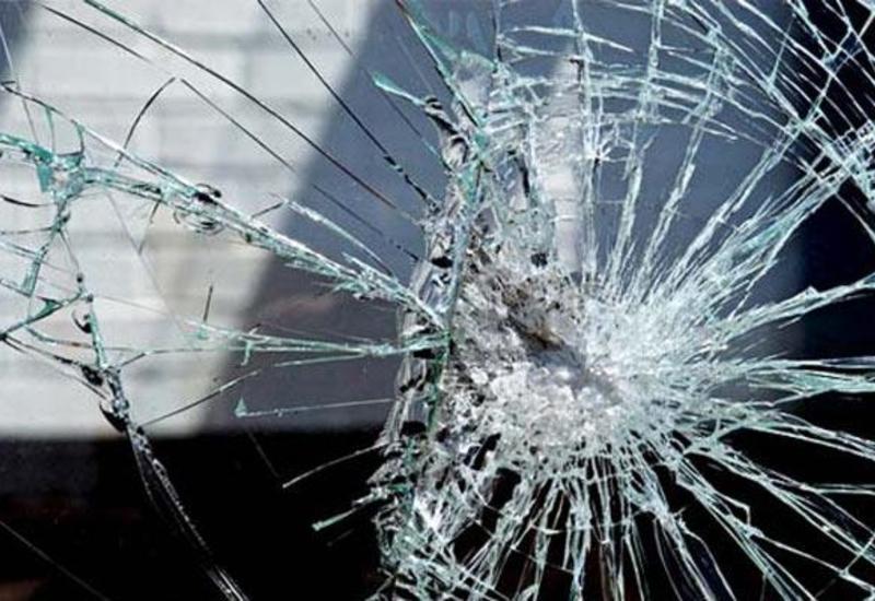 Sumqayıtda iki avtomobil toqquşub: sürücü yaralanıb