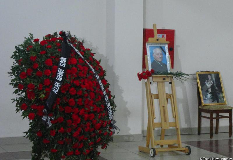 """Деятели культуры вспоминают Беюкагу Мамедова: """"До сих пор помню аплодисменты..."""" <span class=""""color_red"""">- ФОТО</span>"""