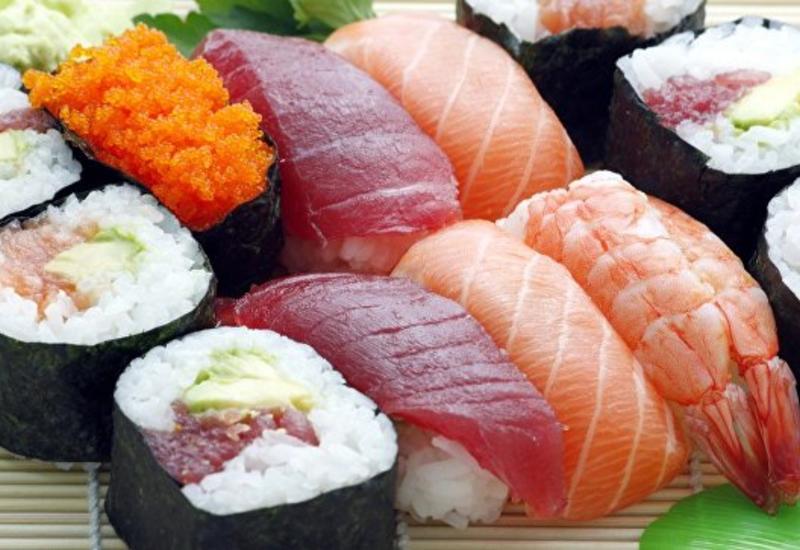 """В США любитель суши вытащил из себя полутораметрового червя <span class=""""color_red"""">- ФОТО</span>"""