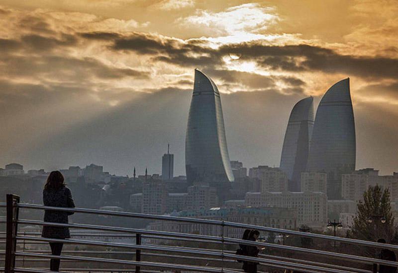 В Баку будет ветрено и пасмурно