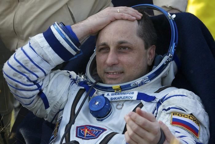 Русский космонавт полетал вкосмосе напылесосе