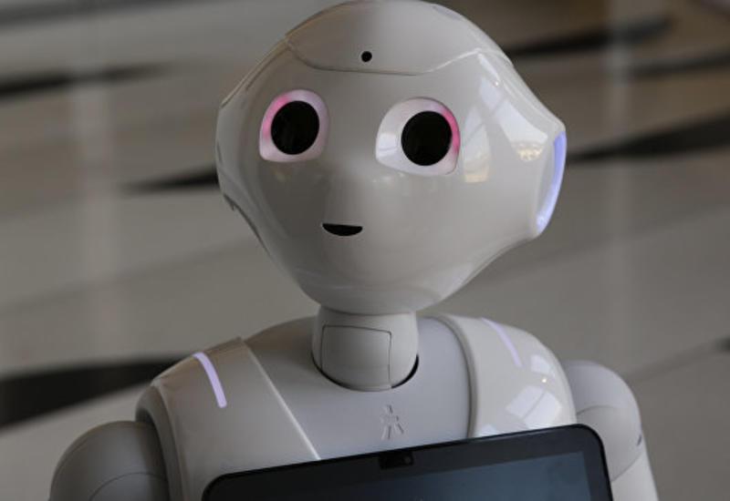 """Первого робота-продавца """"уволили"""" через неделю за неуместные шутки"""