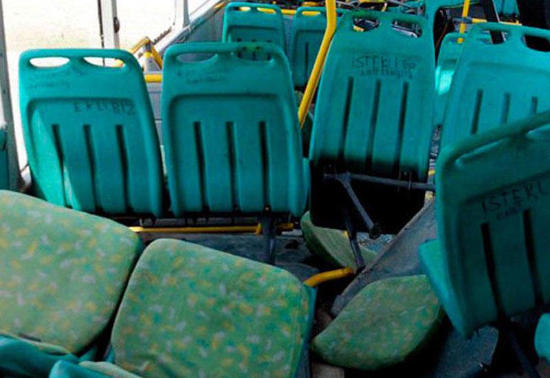 В Баку пассажирский автобус столкнулся с ВАЗ 2107