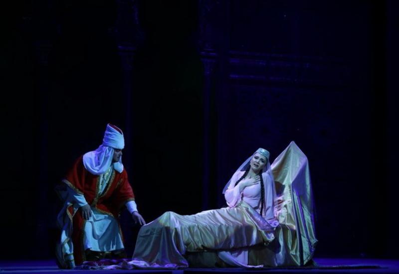 """Ошеломляющий успех юбилейного спектакля """"Лейли и Меджнун"""" <span class=""""color_red"""">- ФОТО</span>"""