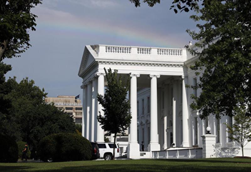 У Белого дома задержали человека с заряженным оружием