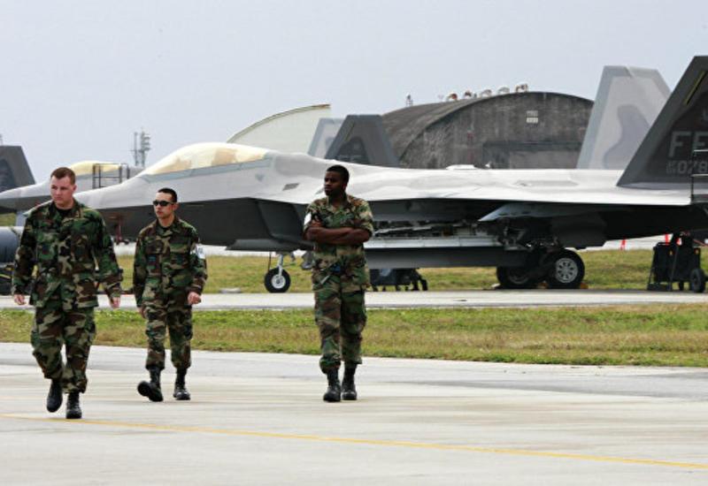 """Япония требует от США прекратить полеты """"Кобр"""" над своей территорией"""