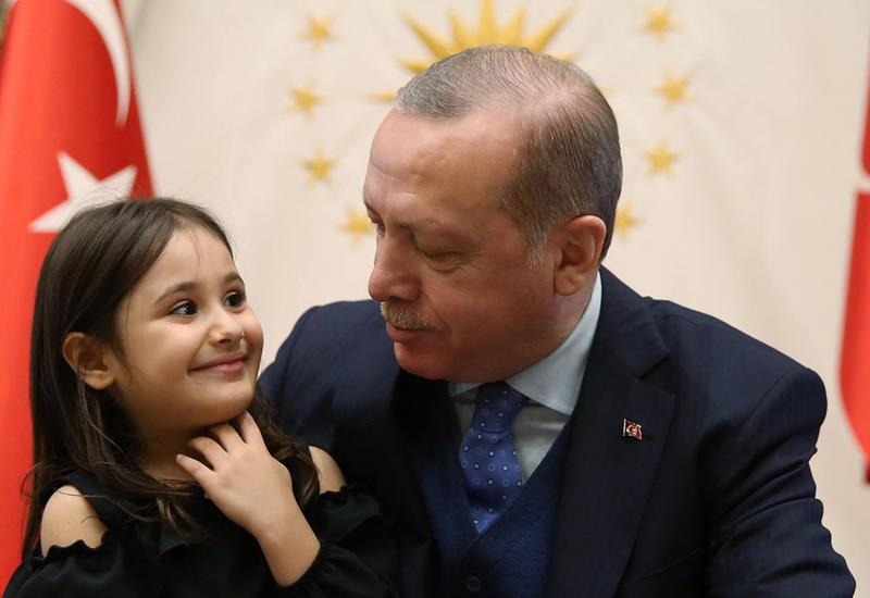 "Эрдоган исполнил мечту 4-летней Аиши <span class=""color_red"">- ВИДЕО</span>"