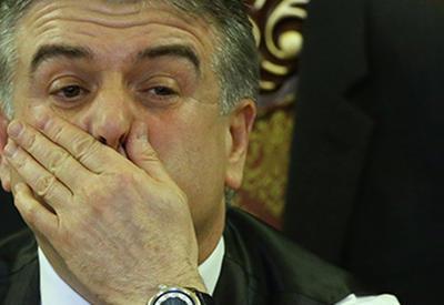 В Армении поторопились попрощаться с Кареном Карапетяном