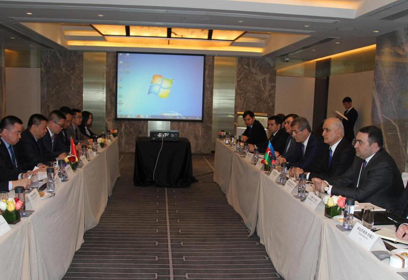 Шахин Мустафаев на переговорах в Китае
