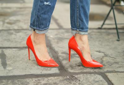 """3 причины, почему у тебя обязательно должны быть красные туфли <span class=""""color_red"""">- ФОТО</span>"""