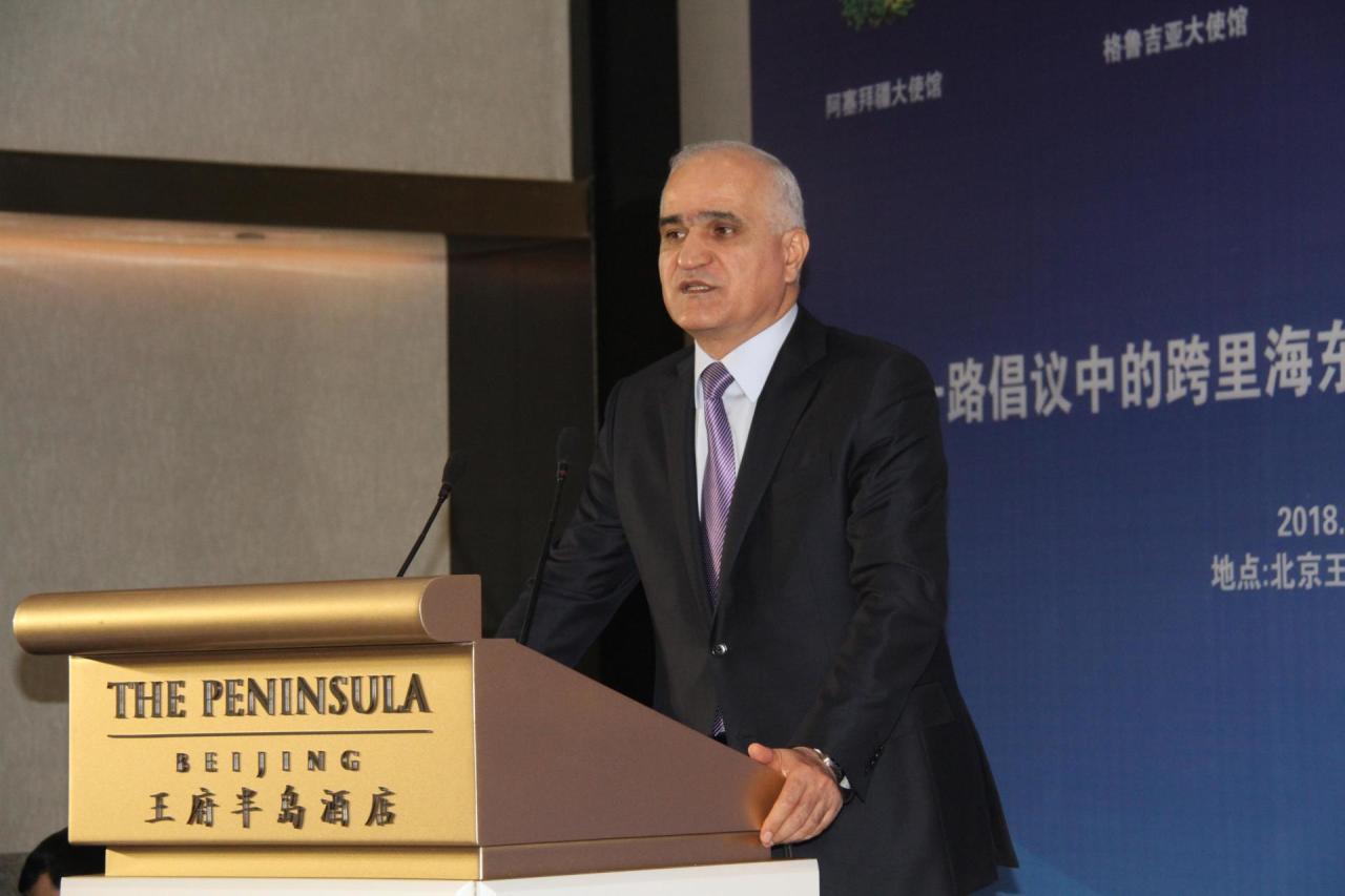 Азербайджан желает организовать экспорт в КНР индустриальной исельскохозяйственной продукции