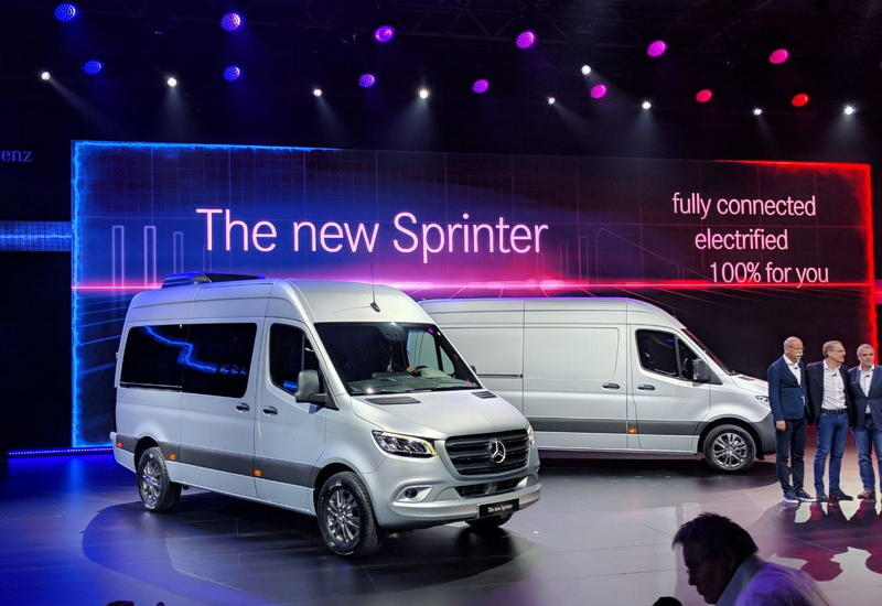 Дизель V6 и автомат с 9 ступенями: Mercedes представил новый Sprinter