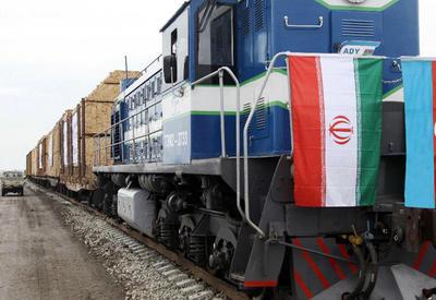 Российский состав ушел в Иран через Азербайджан - Армения в панике