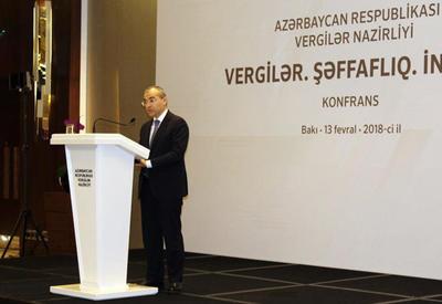 Министр: В Азербайджане необходимо стимулировать безналичные платежи