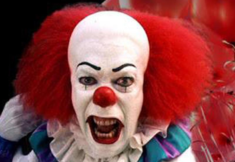 Знаменитый карнавал в Рио сорвали сотни клоунов <span class=&quot;color_red&quot;>- ВИДЕО</span>