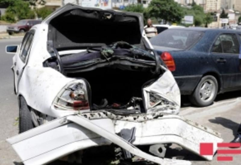 В Баку произошла цепная авария, есть погибшие