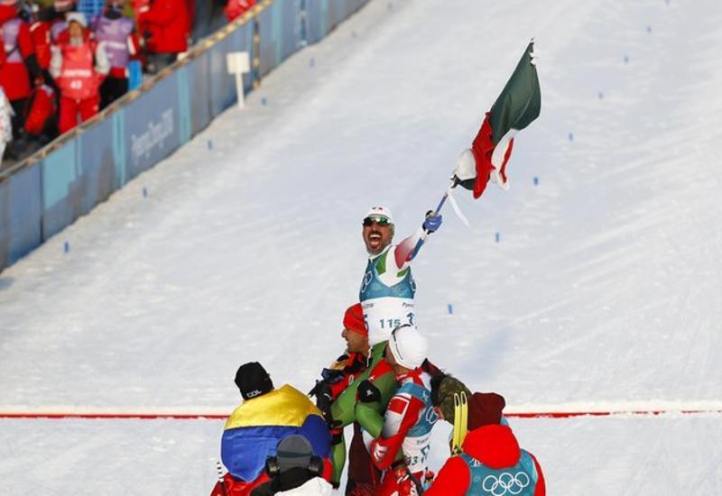 """Мексиканский лыжник стал героем Олимпиады. Хоть и пришел к финишу последним <span class=""""color_red"""">- ВИДЕО</span>"""