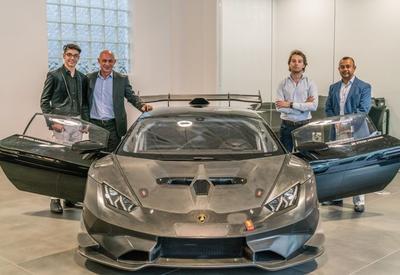 14-летний школьник стал первым владельцем гоночного Lamborghini Huracan