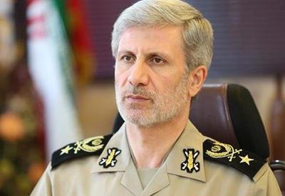 Министр обороны Ирана прибыл в Азербайджан