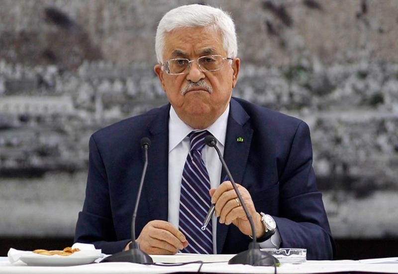 Президента Палестины госпитализировали