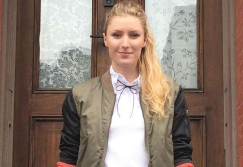 """Девушка 3 года ходила на работу в одной и той же одежде <span class=""""color_red"""">- ФОТО</span>"""