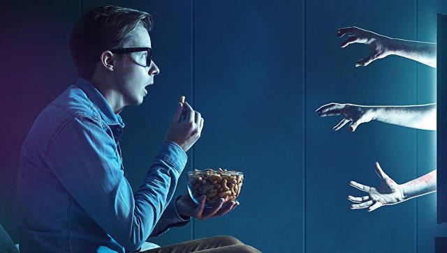 Ученые изсоедененных штатов признали, что запойный просмотр телесериалов вредит вашему здоровью