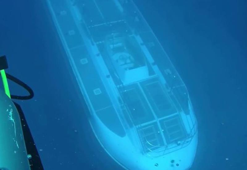 """Дайверы встретили неопознанную подлодку в глубинах океана <span class=""""color_red"""">- ВИДЕО</span>"""