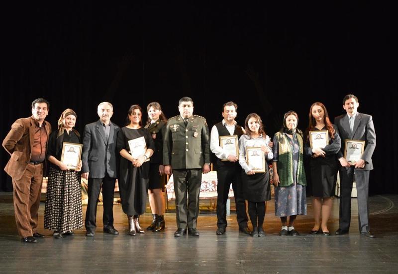 """Азербайджанские актеры почтили память жертв Ходжалинской трагедии <span class=""""color_red"""">- ФОТО</span>"""