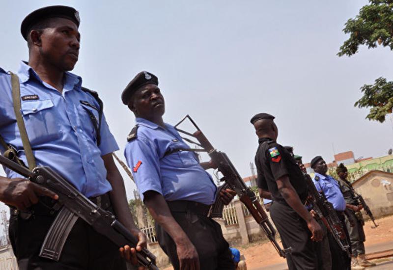 В Нигерии террористы похитили более 110 школьниц