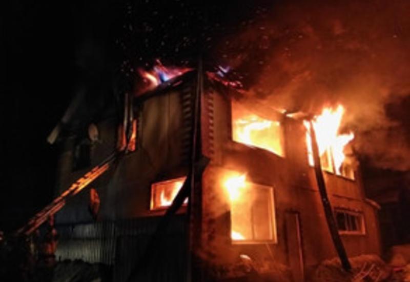 В Товузе произошел сильный пожар, погибли супруги