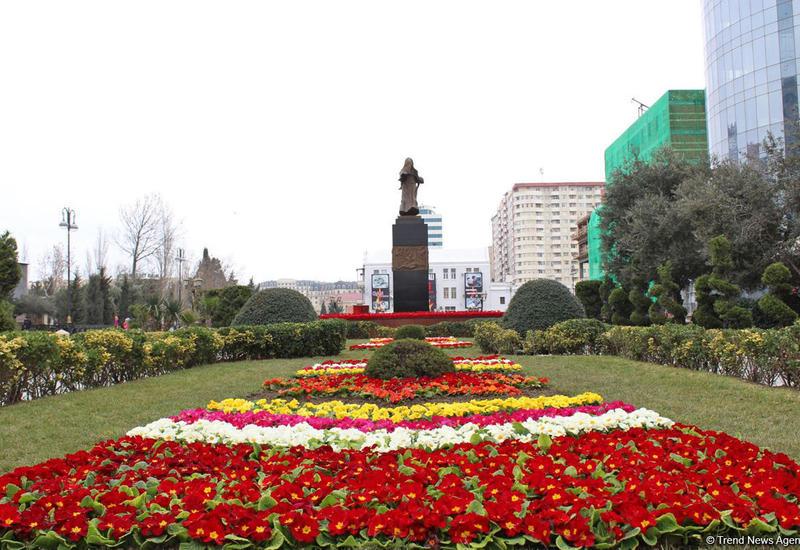 """В Азербайджане поминают жертв Ходжалинской трагедии <span class=""""color_red"""">- ФОТО</span>"""