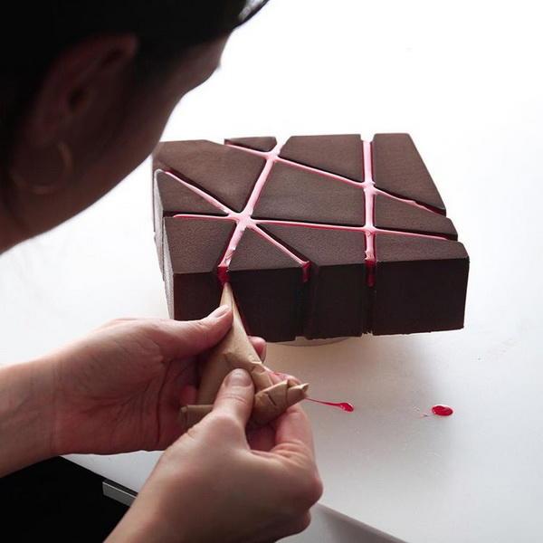 Картинки по запросу Динара Касько печет сладкие произведения