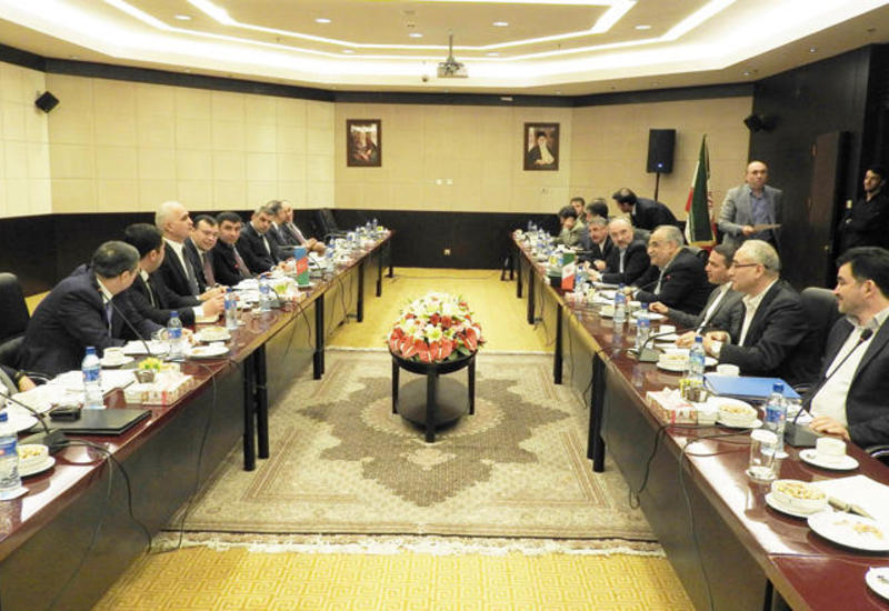 Азербайджан и Иран наладят преференциальную торговлю