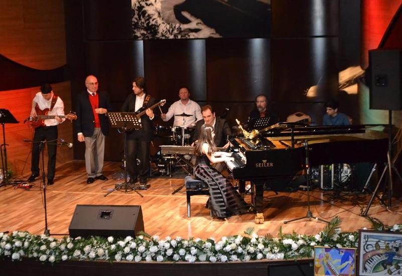 """В Центре мугама прошел зажигательный концерт, посвященный Вагифу Мустафазаде <span class=""""color_red"""">- ФОТО</span>"""