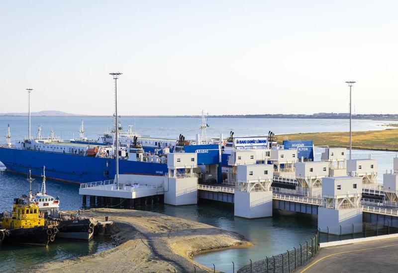 Бакинский порт ожидает серьезного роста контейнерных перевозок