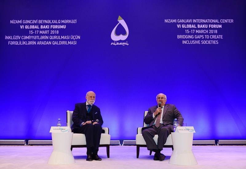 """В рамках Глобального Бакинского форума состоялись обсуждения на тему """"Преимущества интернета и создаваемые им трудности"""" <span class=""""color_red"""">- ФОТО</span>"""