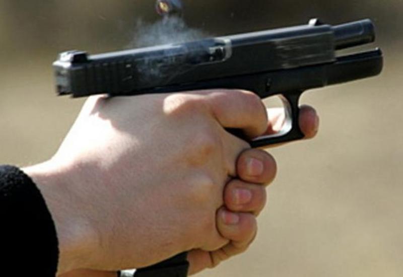 Мужчина открыл стрельбу в центре Петербурга