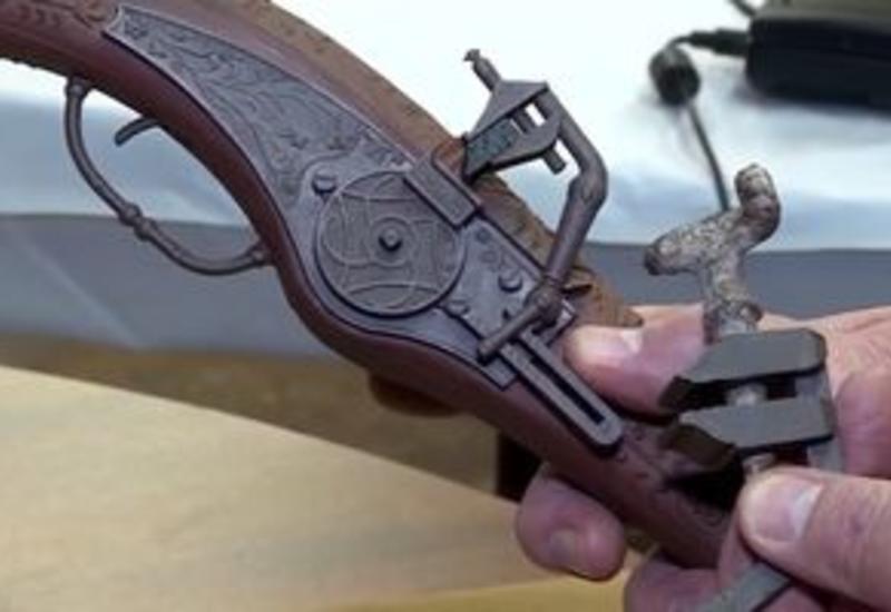 """В Колорадо нашли уникальный 500-летний пистолет <span class=""""color_red"""">- ВИДЕО</span>"""
