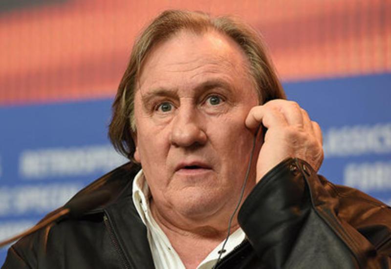 Депардье проголосовал на выборах президента РФ в Париже